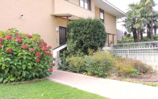 144-Villa-Schiera-Arco-Alto-Garda-Immobiliare1-6-525x328 HOME PAGE