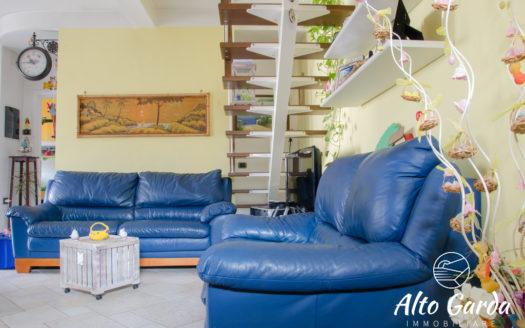 154-Trilocale-su-2-Piani-Villa-Lagarina-Loc.-Piazzo-Alto-Garda-Immobiliare26-525x328 HOME PAGE