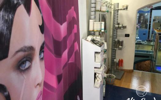 157-Rovereto- salone parrucchiera-Alto Garda Immobiliare